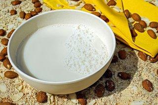חלב שקדים מתכון